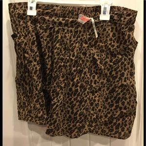 Free people leopard shorts🍁